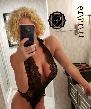 Anne-sophie escorts service in Cheval