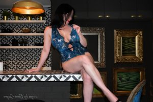 Anne-pascale outcall escort