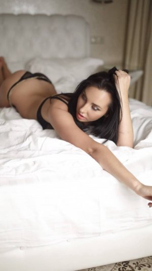 Laetytia outcall escorts